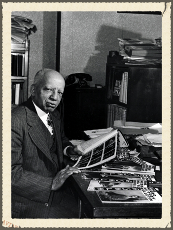 Link to biography of Carter G. Woodson on cpnas.org